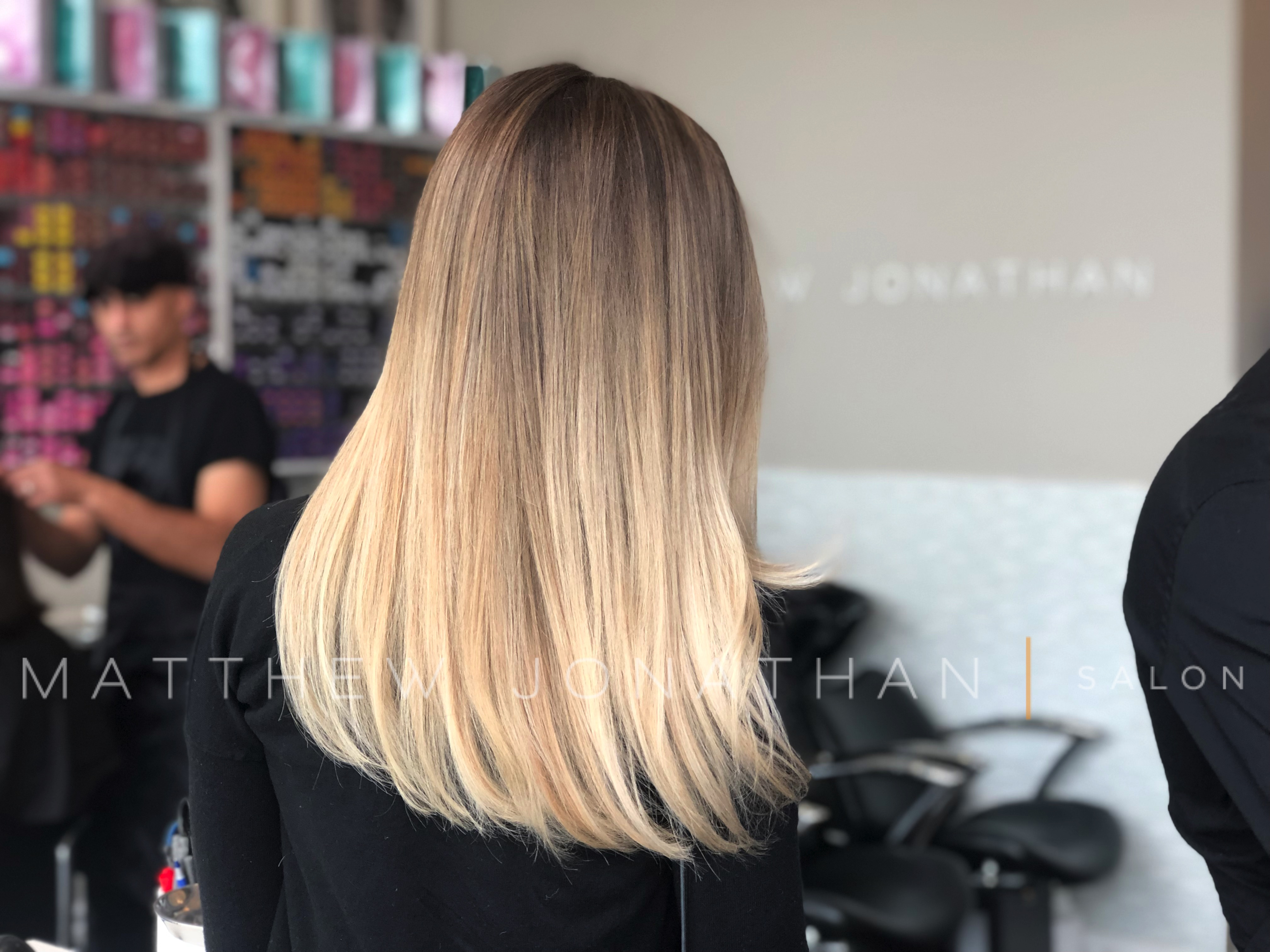 #balayageoakville #balayageburlington #balayagetoronto #sombrehair #sombre #balayage #babylights #colormelt #babylight #ombrehair #balayagehighlights #silverbalayage #blondebalayage #balayageombre#Olaplex #tortoiseshell #flamboyage #Balayage #Sombre #Ombre #matthewjonathansalon #OakvilleBalayage#Salon#Torontobalayage#blondehair#wavyhair #matthewjonathan#silverhair #babylightsbalayage