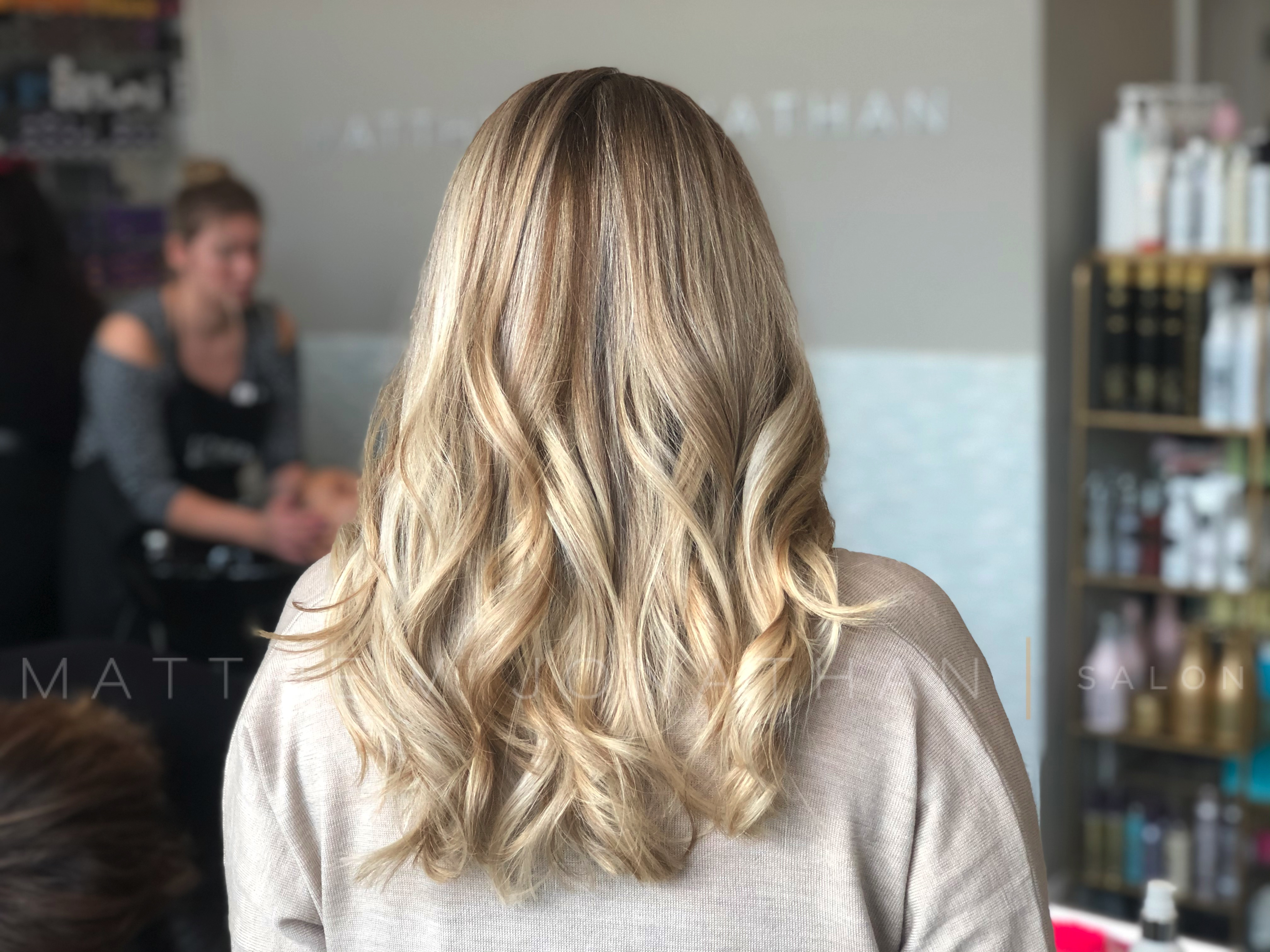#blondehighlights #blondesdoitbetter #brunetteshavemorefun #torontohairstylists #lorealprofessionnel #olaplex #olaplexhair #cutehairstyles #balayageombrehair #ombrehairstyle #balayageoakville #olaplexlove #instahairstyle #blondebalayagehighlights #sombrehair #hairpainting #paintedhair #haircolors #colourmelt #colormelting #rootshadow #matthewjonathan #modernsalonandspa #lovemyhair